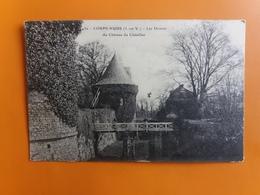 Corps Nuds - Les Douves Du Chateau Du Chatellier - Other Municipalities