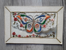 CPA - FANTAISIE Carte Brodée Papillon - Poème De Corneille à L'intérieur: Un Coeur à L'autre Uni Jamais Ne Se Retire Et - Brodées
