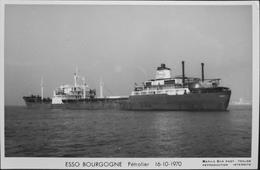 CPSM. - Carte-Photo > Bateaux > Pétroliers > ESSO BOURGOGNE Pétrolier - 16.10.1970 - TBE - Tankers
