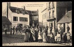 FRANCE, Villers-Cotterets, Fontaine Et Place De La Terrasse, Animé (02) - Villers Cotterets