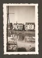 PHOTO ORIGINALE 1936 LE POULIGUEN (44) LE PORT COMMERCE CLOCHER BARQUES - 2 Scans - Lieux