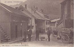 FLUMET : La Douane Et La Grande Rue . - Autres Communes