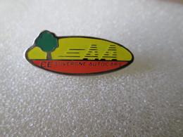 PIN'S   AUTOCAR  AUVERGNE - Transportation
