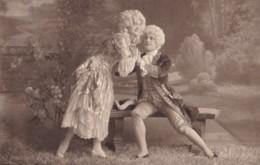 AP60 Romance - Couple In A Garden - Couples