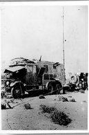 La Bataille Autour De Tobrouk , Une Voiture Allemande Avec Poste De Radio Télégraphique Dans Le Désert - Guerre, Militaire