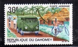 BENIN DAHOMEY 1968 UPU MAIL TRUCK IN VILLAGE 30f MNH - Benin – Dahomey (1960-...)