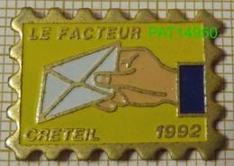 LA POSTE LE FACTEUR CRETEIL 1992 PTT - Postwesen
