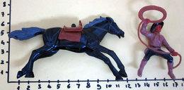 COWBOY A CAVALLO WEST SOLDATINO PLASTICA MORBIDA - Figurines