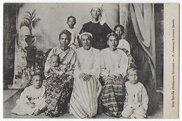 Cpa Bon Etat , Birmanie , Une Famille Chrétienne Birmane - Myanmar (Burma)