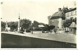 MONSOLS (Rhone)  - La Place -Le Monument Aux Morts - La Fontaine - France
