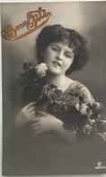 (367) Bonne Fête - Mooie Meisje Met Rozen In Beide Handen - 1913. - New Year