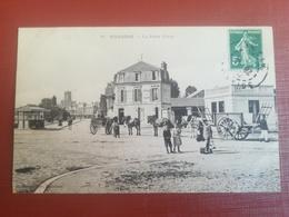 CPA 02 SOISSONS La Porte Crouy (f) - Soissons