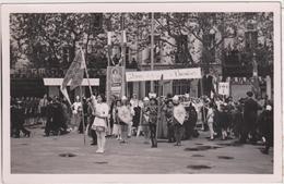 Carte Postale Photo - Travail Famille Patrie - Patriottisch