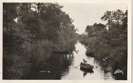 33 CAZAUX -- Le Canal + Barque - Carte Photo - France