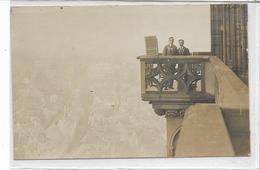 67 STRASBOURG . Carte-photo . Deux Conscrits Sur Le Balcon De La Cathédrale , édit : Sans , Années 10 , état Extra - Strasbourg