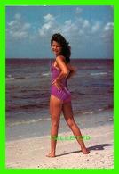 PIN-UPS FEMME - GREETINGS FROM THE CRYSTAL COAST OF NORTH CAROLINA - TRAVEL - - Pin-Ups
