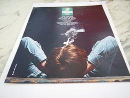 ANCIENNE PUBLICITE MENTHOL  CIGARETTE ROYALE 1968 - Tabac (objets Liés)