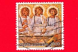 VATICANO - Usato - 1990 - 40º Anniversario Della Fondazione Della Caritas Internazionalis - 2000 L. • I Tre Viandanti - Vatican