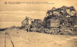 Ruines In Westende   Oorlog 1914-18    Tramsporen  Hoek Van De Dijk En Uitkijkpost Met Machine Geweer   Zeedijk    L 361 - Westende