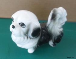 PETIT CHIEN  En Porcelaine - Tiere
