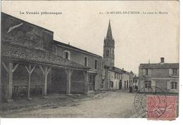 85 - St MICHEL EN L ' HERM -  Belle Vue Animée De La Place Du Marché - Saint Michel En L'Herm