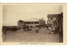 Carte Postale Ancienne Fos Sur Mer - Le Grand Casino. La Plage - France