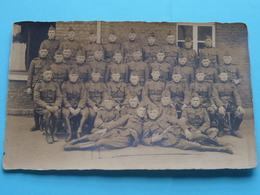 Peloton / Escadron Soldaten (  Géén ID ) Anno 19?? ( Details Zie Foto ) Format CP/PK ! - Krieg, Militär