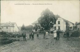 25 LANDRESSE / Route De Baume Les Dames / Belle Carte Animée - Frankrijk