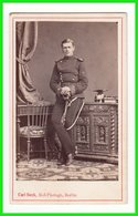 CDV Photografie: Carl Suck, Berlin - Soldat Militär Uniform Deutscher Ulan, Name Rückseitig, Adel #0276 - Guerre, Militaire