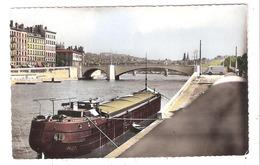 Péniches à Lyon (69 - Rhône) La Saône - Le Pont Tilsitt - Houseboats