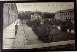 CPA - Cherbourg - Hôpital Maritime - La Terrasse, La Cour Centrale, La Chapelle - Cherbourg