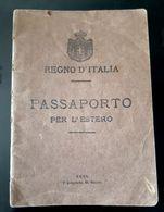 PASSEPORT ANCIEN ITALIE 1915 PASSAPORTO SALERNO VISA NAPLES A MARSEILLE PAR VINTIMILLE EN 1917 TAMPON CACHET ITALIA - Documents Historiques