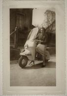 Femme Sur Un Scooter ,vespa - Altri