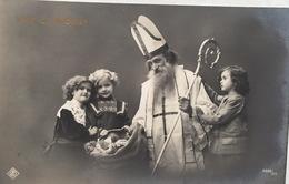 (428) Vive St. Nicolas - Drie Kindjes En Een Zak Geschenken. - Sinterklaas
