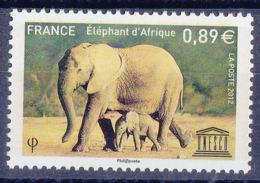 France S155 ** - Elephants