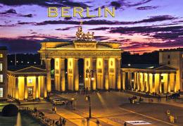 1 AK Germany * Das Brandenburger Tor Bei Nacht * - Mitte