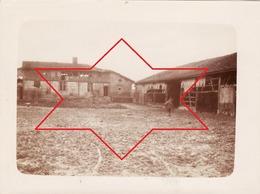 Photo 14-18 Secteur CERNAY-EN-DORMOIS (près Ville-sur-Tourbe) - Soldats Allemands à La Ferme De Bayon (A212, Ww1, Wk 1) - Autres Communes
