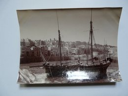PHOTOGRAPHIE ANCIENNE - Iles Anglo-normandes : St Pierre Port - Guernesey - Boten
