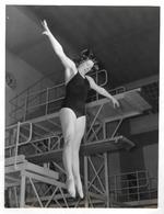 PHOTO 1959 JUDY GRINHAM ?? -  FEMME - GIRL - WOMAN -  NUOTO - PLONGEE - DIVING - Sport