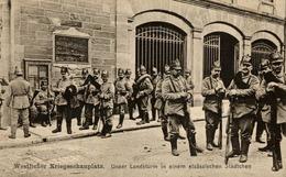 WESTLICHER KRIEGSSCHAUPLATZ UNSER LANDSTURM IN EINEM ELSÄSSISCHEN STÄDTCHEN ELSAS   DEUTSCHLAND GERMANY ALLEMAGNE - War 1914-18