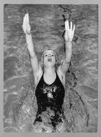 PHOTO 1962?? -  LINDA LUDGROVE FEMME - GIRL - WOMAN -  NUOTO - I SWIM - NATATION SPORTIVE - Sport