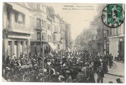 CPA Rare Troyes - Concours De Pêche - Défilè Des Pêcheurs , Rue Emile Zola Etat Voir Scan - Troyes