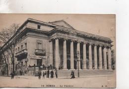 CPA.30.Nimes.Le Théâtre.animé Personnages - Nîmes