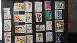 Belle Thématique Sur La Coupe Du Monde Espana 1982 En Timbres  ** (pour Compléter Les Blocs) A Saisir !!! - Stamps