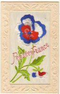 N°13053 - Carte Brodée - Pensées Et France - Patriotique - Brodées