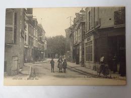 C. P. A. : 41 ONZAIN : Grande Rue, Animé, Vélo, Magasins, Timbre - France