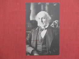 Mr Gladstone     Ref 3519 - Postcards