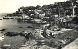 SAINT AYGULF - La Plage Et Le Port-abri - - Saint-Aygulf
