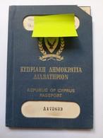 1975 Republic Of Cyprus Passport-Document Rare - Documenti Storici