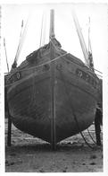"""DOUARNENEZ  - Carte-Photo - Langoustier """" La Perouse """" Bateau De Pêche Au Port En 1952  -  Photographe """" P. DERYHON """" - Douarnenez"""